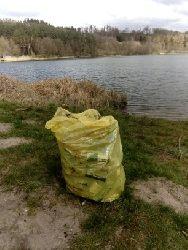 Sprz±tanie jeziora Wlk.G³êboczek dnia 19.04.2020